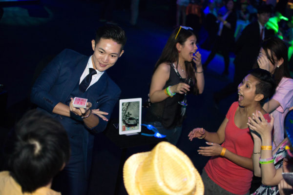 tommy kian magician party club event ipad magic